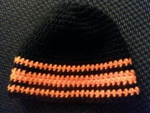 Muetze schwarz orange